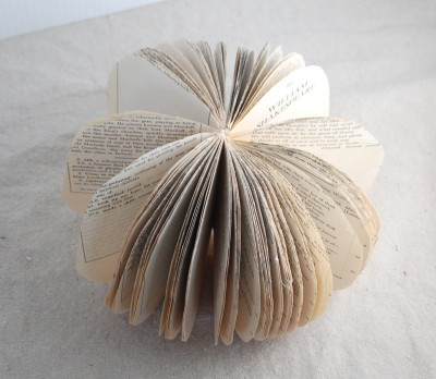 book-page-pumpkin-018-400x348
